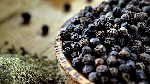 black-pepper-is-twice-as-beneficial-for-health (1)
