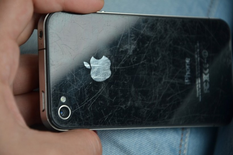Easy Ways to Remove a Scratch on Smartphones