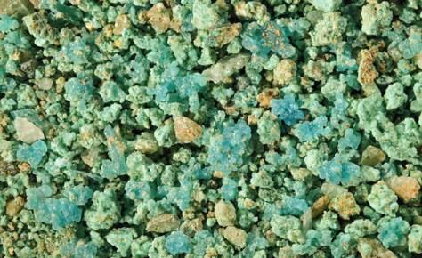 chalcanthite de Cap Garonne. Photo bernard remaud.  sablesdumonde.com
