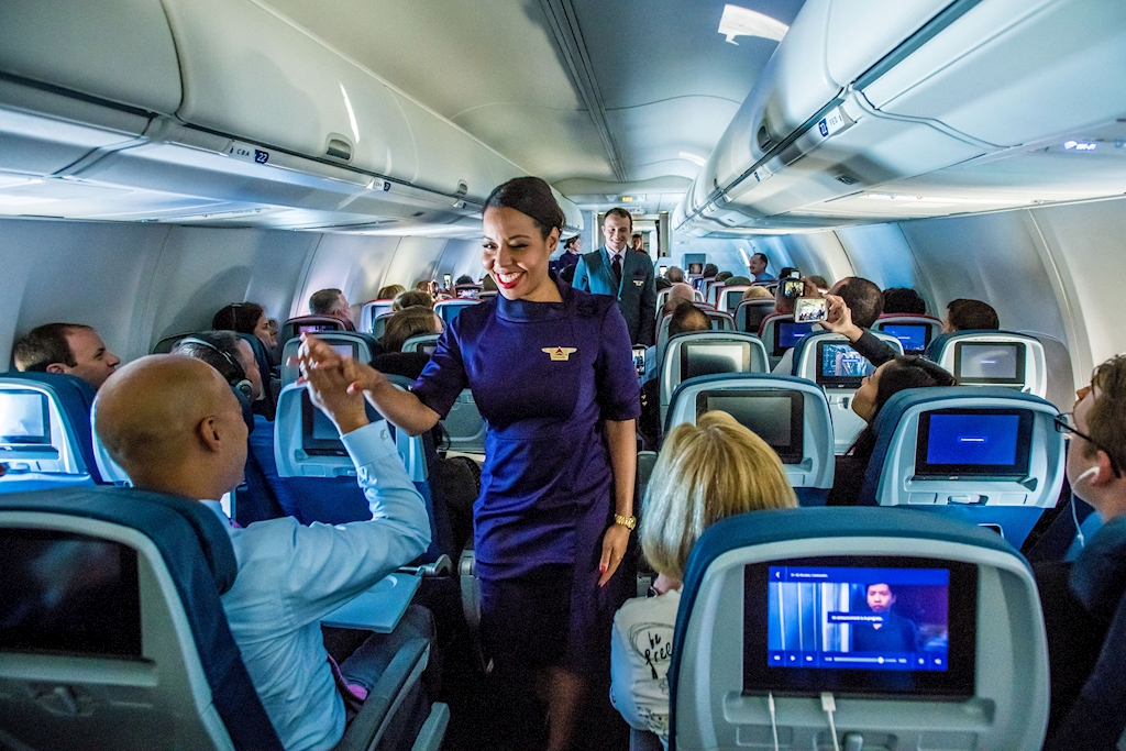Highest Paying Airlines for Flight Attendants - Top 10