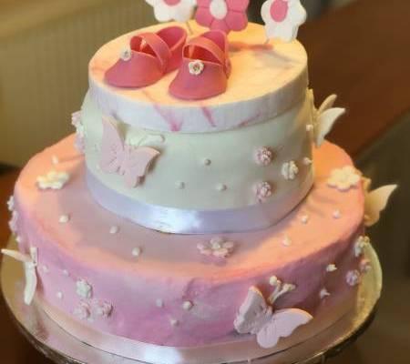 Torta baby shower rosada niñita