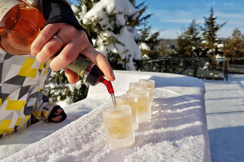 Cocktail dans verres de glace à partir de 17h