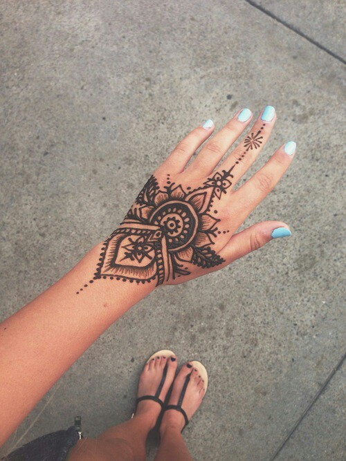Hand tattoo [Image credit]