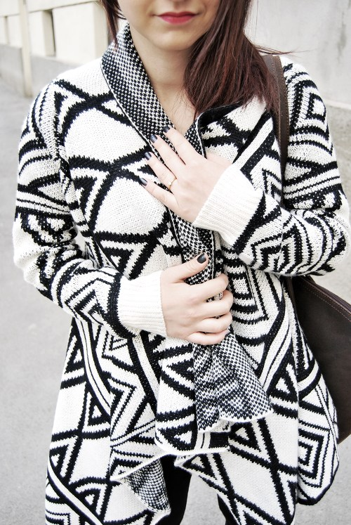 close up, geometric pattern, oversized cardigan, black and white, fashion, outfit
