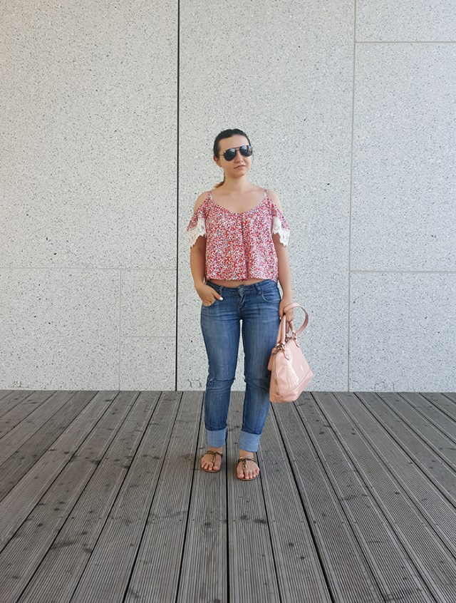 cold shoulder top outfit