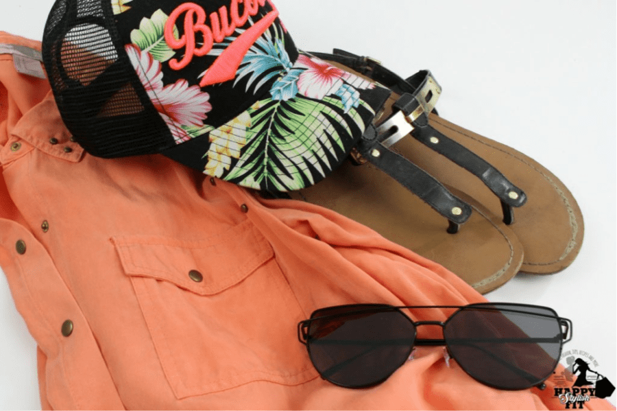 20 THINGS TO PACK IN YOUR BEACH BAG_2