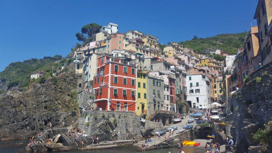 12 hours in Cinque Terre Riomaggiore
