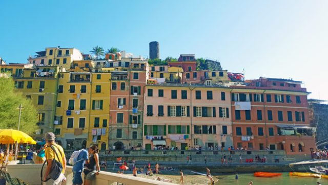 12 hours in Cinque Terre Vernazza