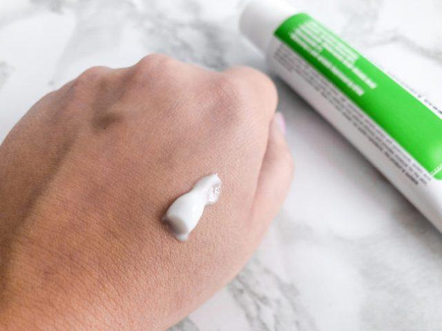 korean skin care routine summer_purito_recovery cream_closeup