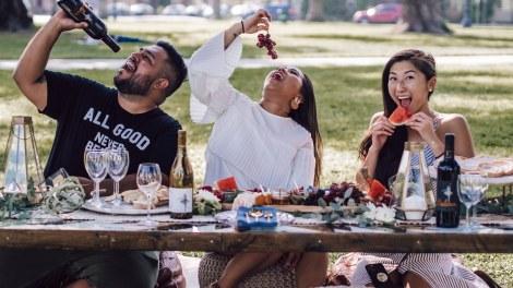 "Midtown Association Introduces New ""Winn Table"" at Midweek Market"