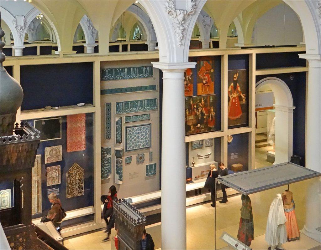 V&A permanent Islamic collection. Image: Jean-Pierre Dalbéra via Flickr