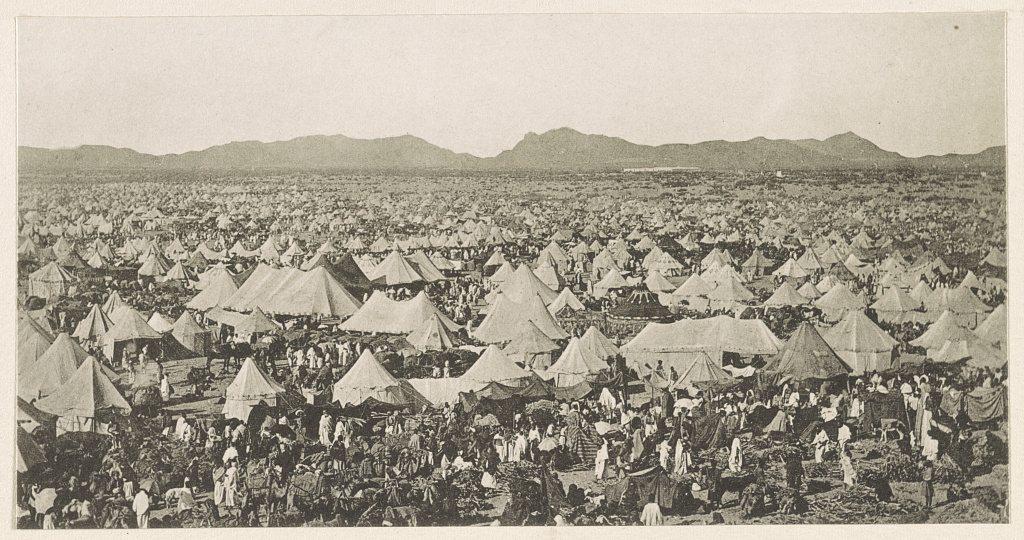 Pilgrims camp on plain
