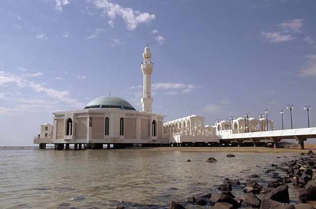 Al Fateh Grand Masjid on top of the water at Doha, Qatar