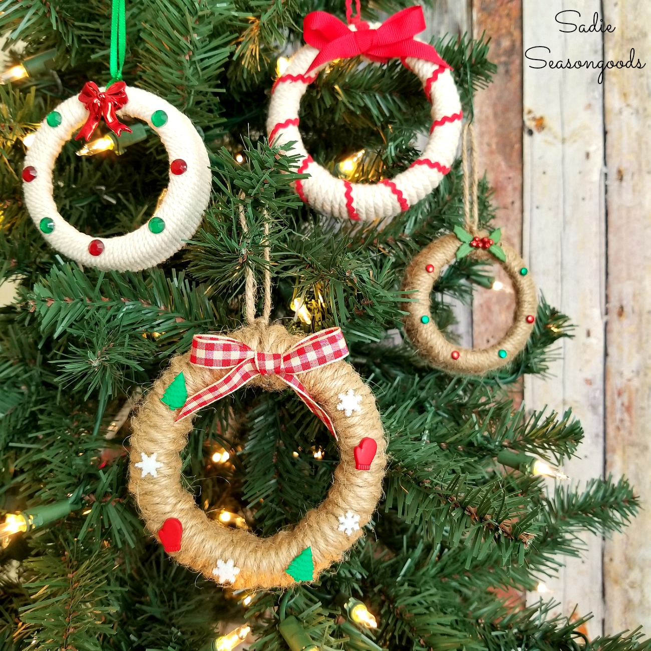 DIY Mason Jar Lid Wreath Ornaments For A Rustic Farmhouse