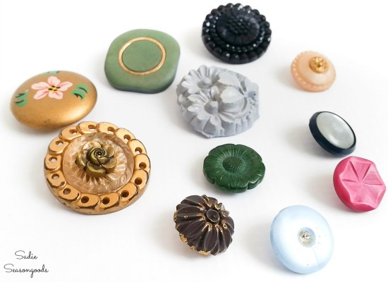 Vintage buttons to make into flower lapel pins