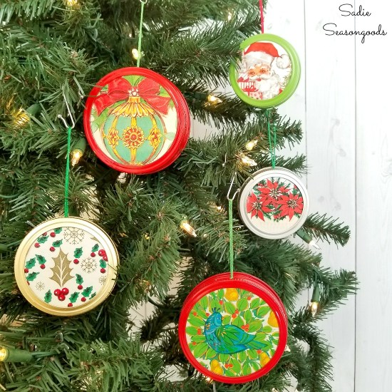 How to repurpose the lids and bands from canning jars and Ball jars with Christmas gift wrap into retro Christmas ornaments