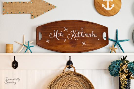 Mele Kalikimaka painted thrift store tray as Christmas Decor by Domestically Speaking