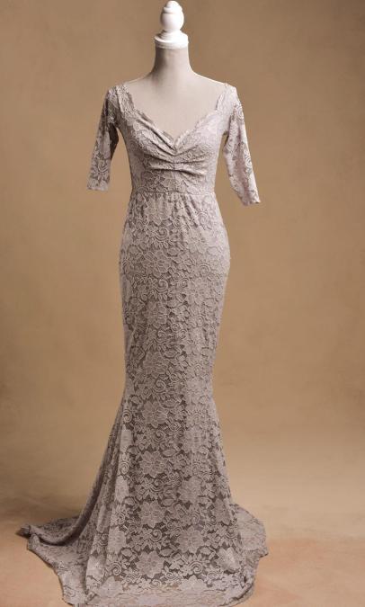 szara-koronkowa-suknia-do-fotografi-ciążowej