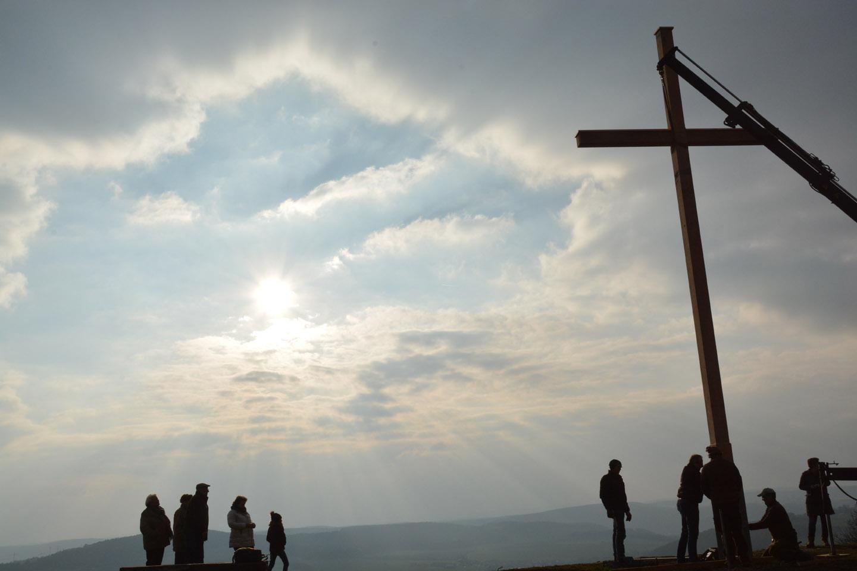 Neues Kreuz für die Homburg
