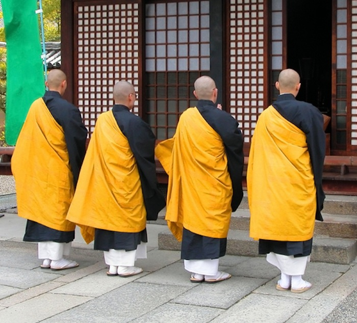 japanese-buddhist-monks-2