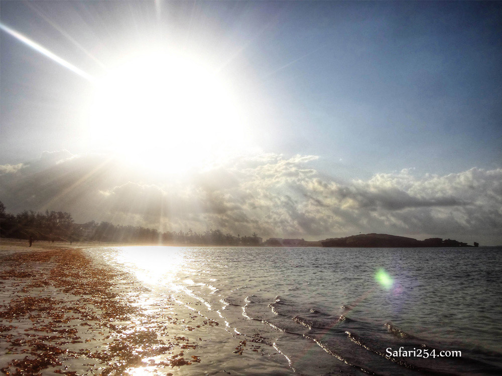 Watamu beach_sun glare