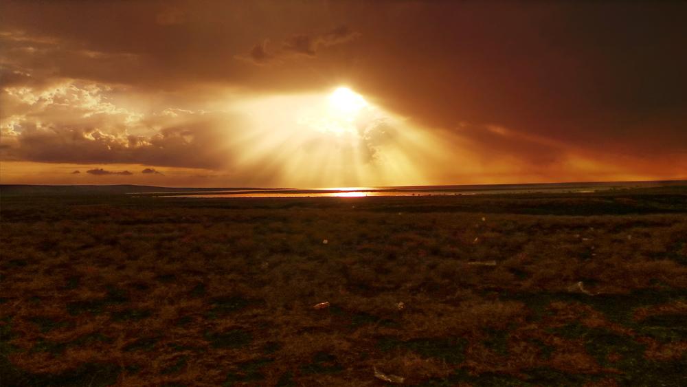 turkana eclipse_bronze rays