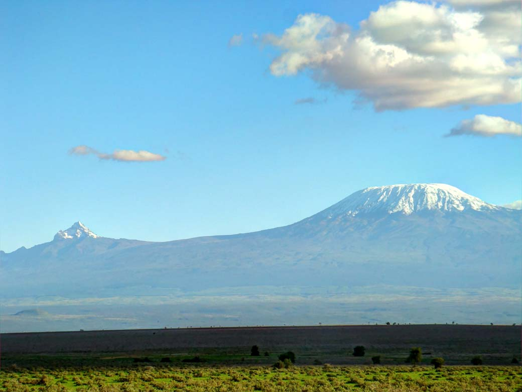 Amboseli National Park_Kilimanjaro and cloud