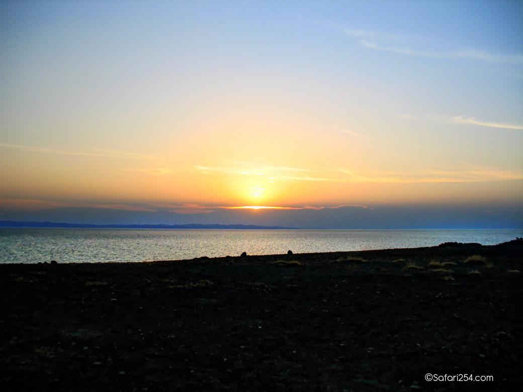 Northern Kenya_Loiyangalani shores2