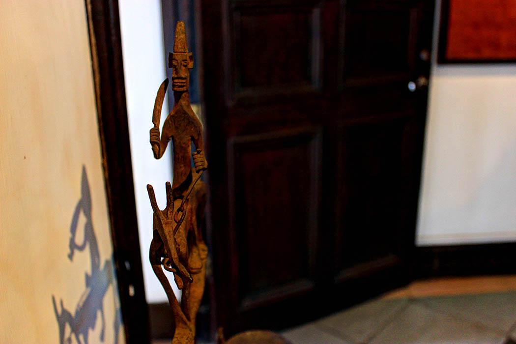 The Nairobi Gallery_Dogon iron lamp