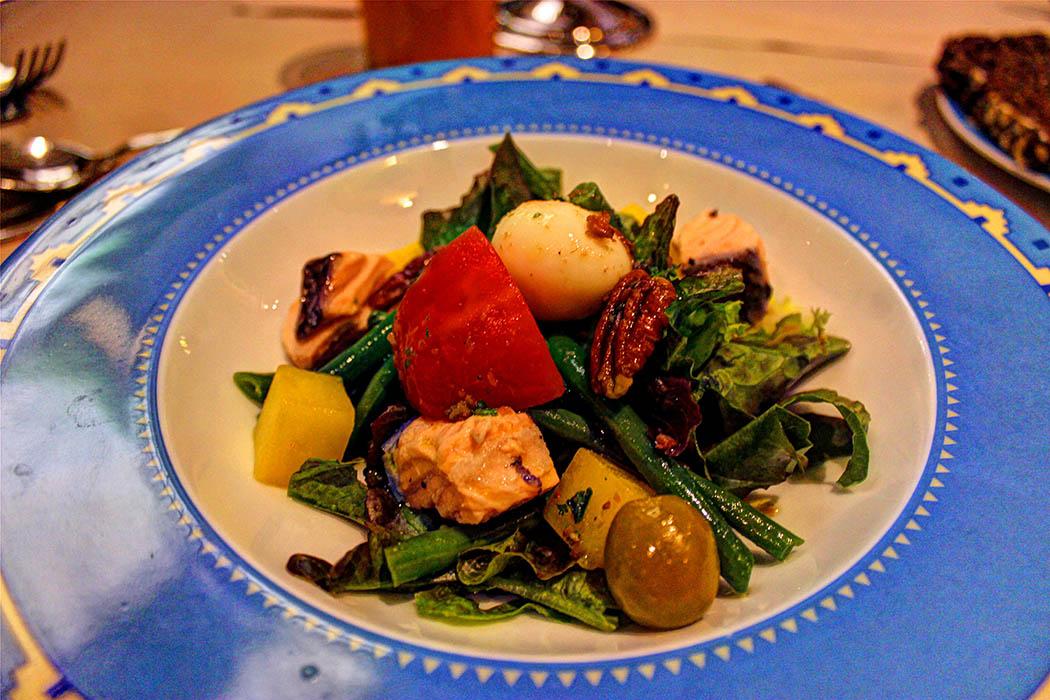 Cafe Maghreb-Salmon Nicoise Salad