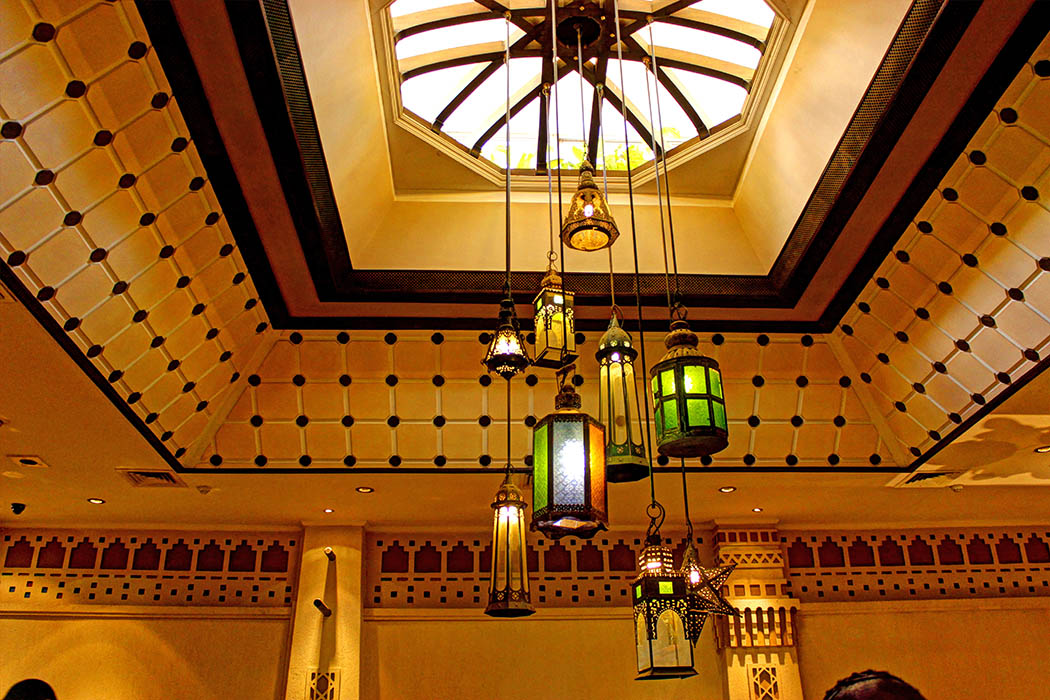 Cafe Maghreb-light fixtures
