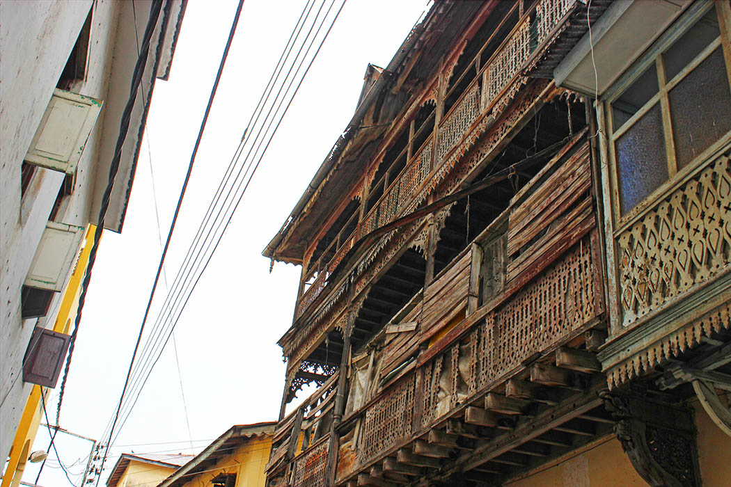 Mombasa Old Town_Building with covered balcony