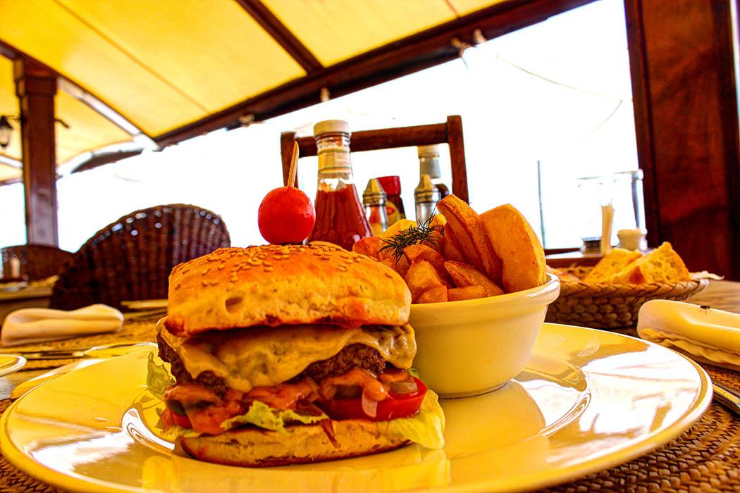 Sands at Nomad restaurant_Burger