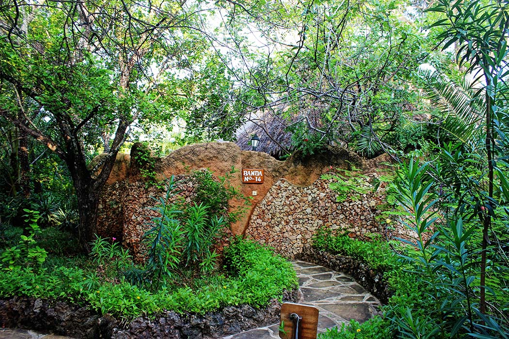 The Sands at Chale Island_front wall
