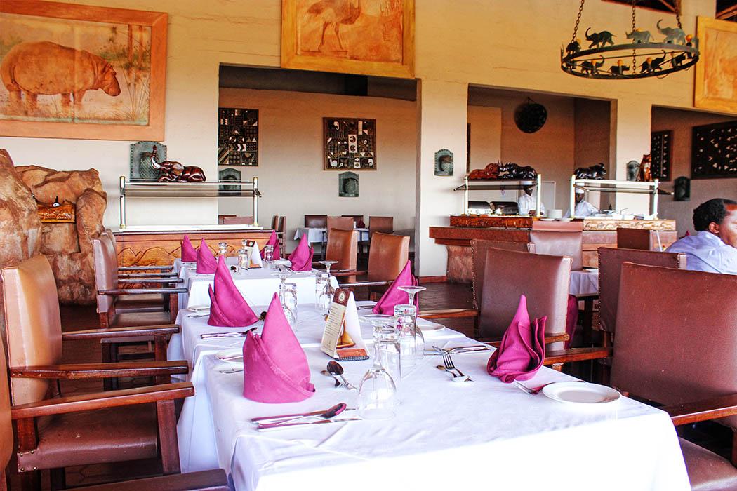 Kilaguni Serena safari Lodge_dining table