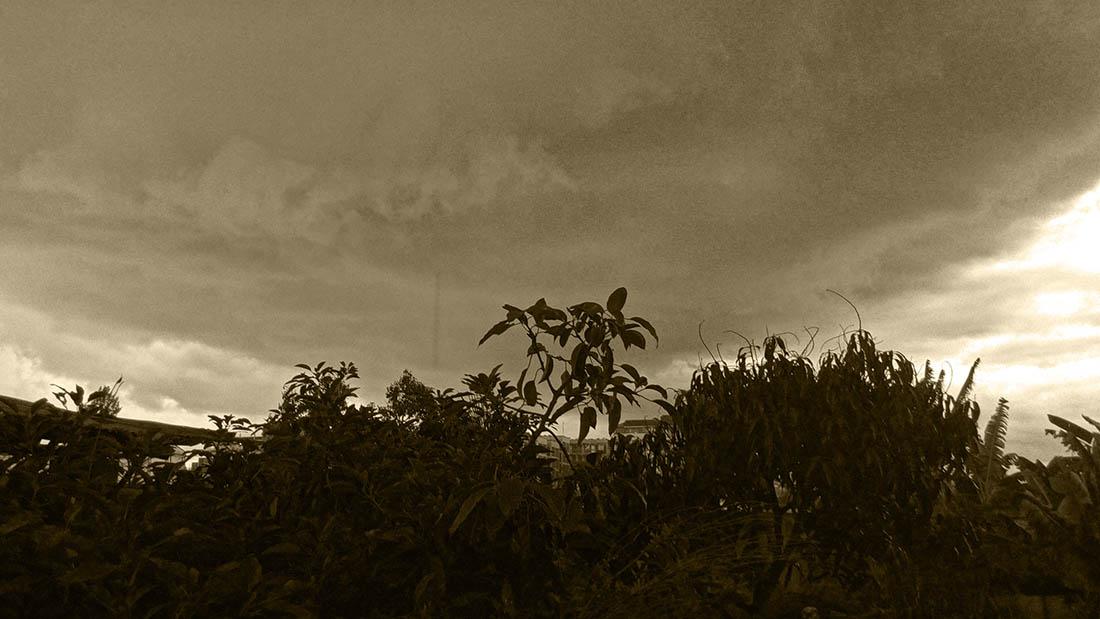 Random snapshots_Impending storm2_tint