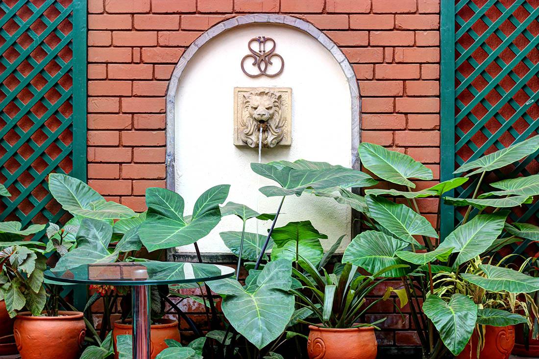 Sarova Stanley_Courtyard3