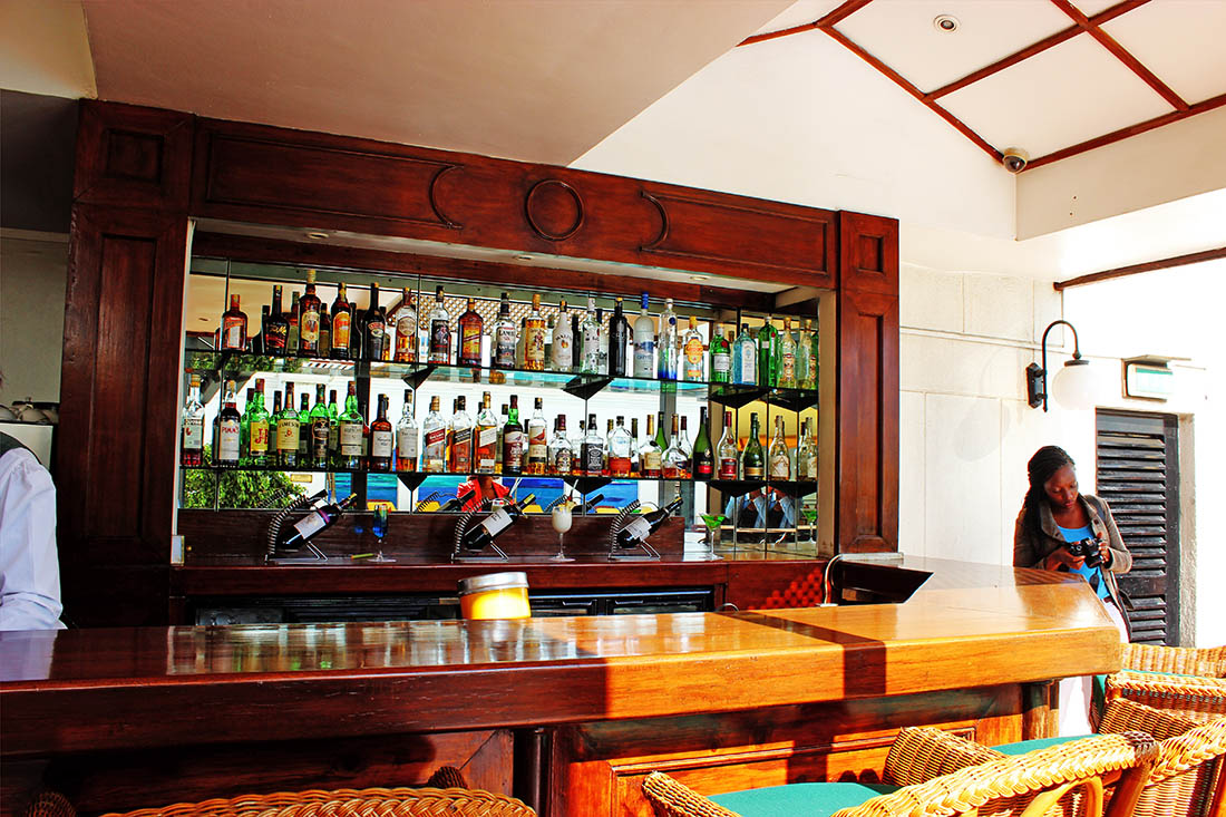 Sarova Stanley_Poolside bar
