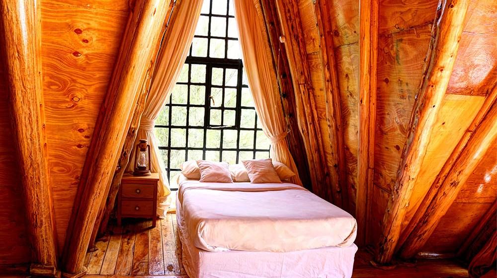 Samawati Conservancy_Deluxe cabin bedroom