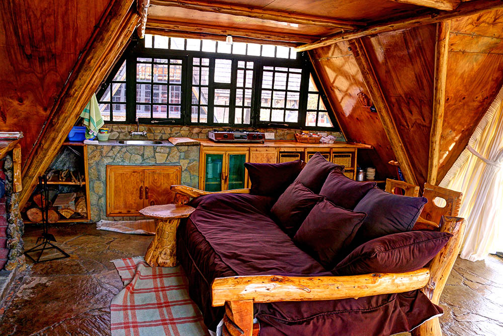 Samawati Conservancy_Standard cabin living room