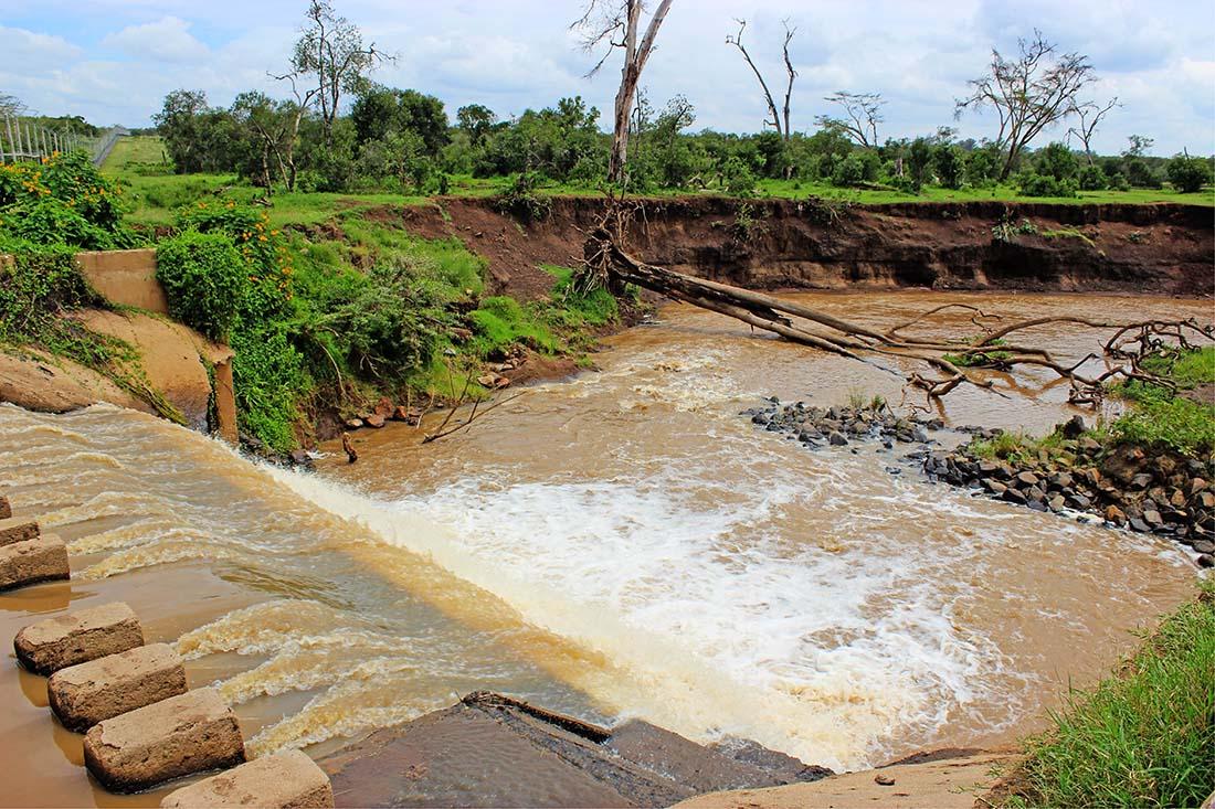 Sweetwaters Chimpanzee Sanctuary_Ewaso Nyiro river falls