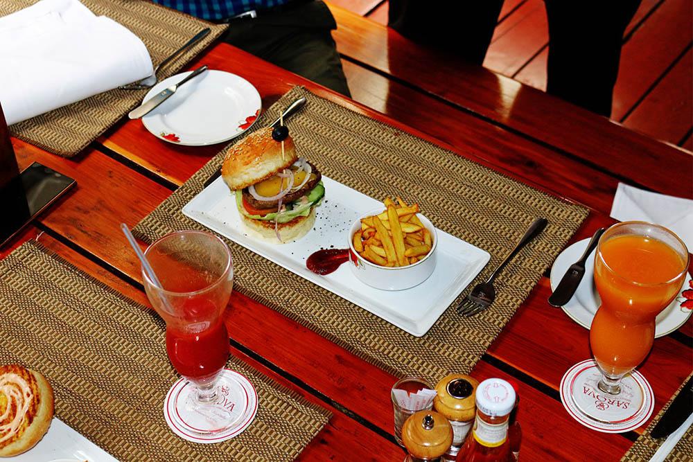 Burger Fest_bacon & cheese burger