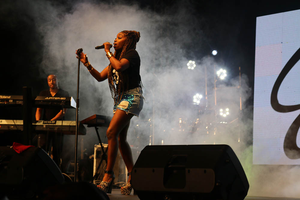 Blankets and Wine July 2016_Estelle