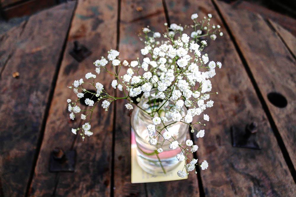 The Juniper Kitchen_flower centerpiece