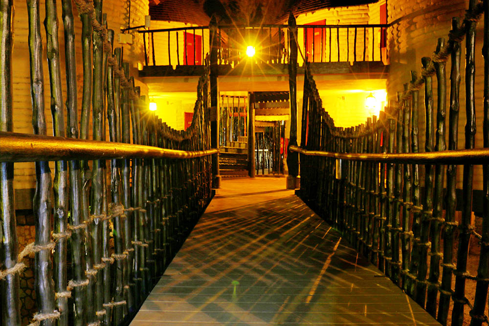 sarova-salt-lick-game-lodge_walkway