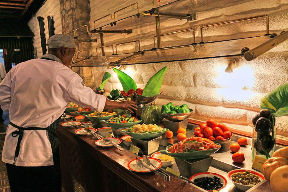 sarova-taita-hills-game-lodge_chef-prepping