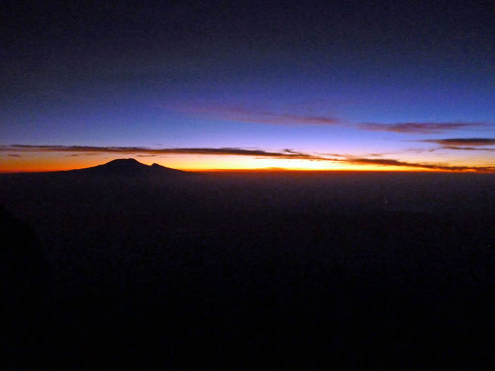 mt-meru_dawn
