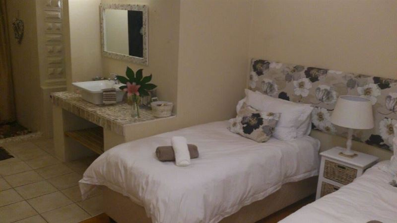 Shalom Bed And Breakfast Strand Your Cape Town South