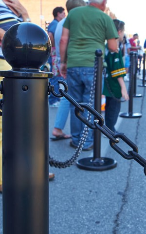 Chain & Stanchions