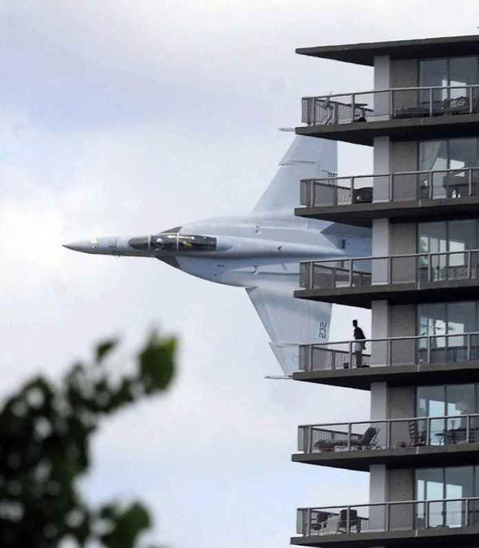 f-18-flyby